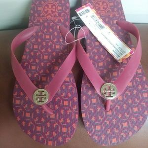 TORY BURCH LOGO LATTICE COMBO FLIPFLOP - Sz 7